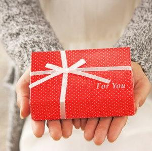 バレンタインのプレゼント彼氏が喜ぶ物【年代別】ベスト4!