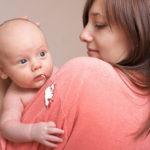 赤ちゃんが嘔吐!原因は離乳食?対処法と注意点は?