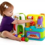 赤ちゃんのおもちゃの消毒方法はどうしてる?スプレーやエタノールでは強い?