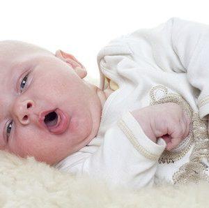 新生児が咳き込む原因は?鼻水や熱はない?