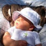 赤ちゃんの日焼け止めはいつから必要?落とし方も知りたい!